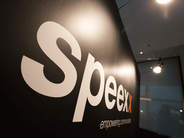 Speexx Logo Wall